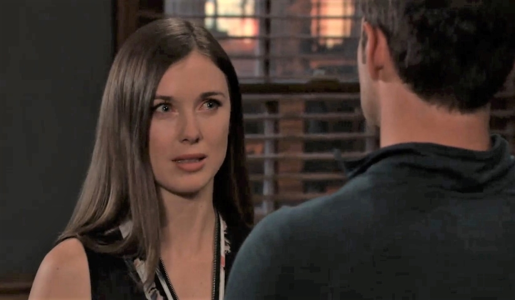 Willow cries to Chase at his place General Hospital