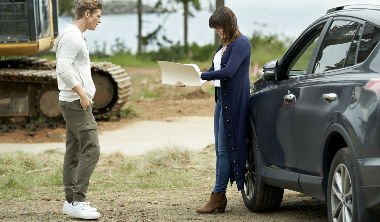 Chesapeake Shores season five connor and abby find evidence hallmark
