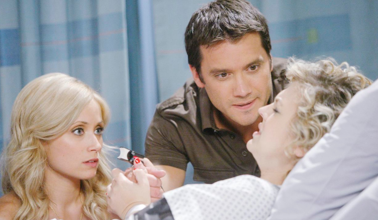 Lulu Falconeri and Dante Falconeri help Maxie Jones give birth on General Hospital