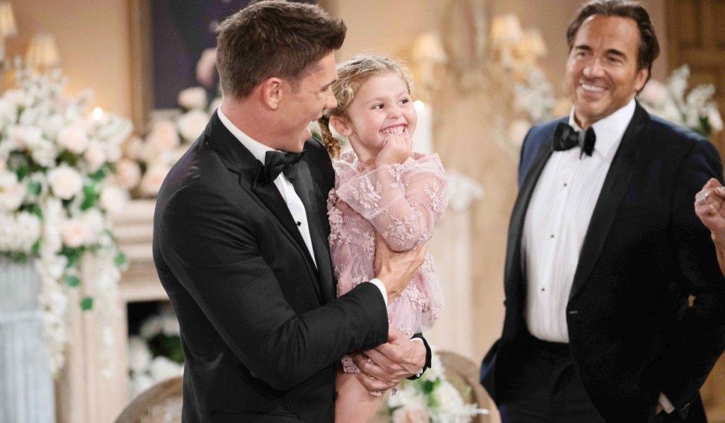 finn holds kelly wedding bb
