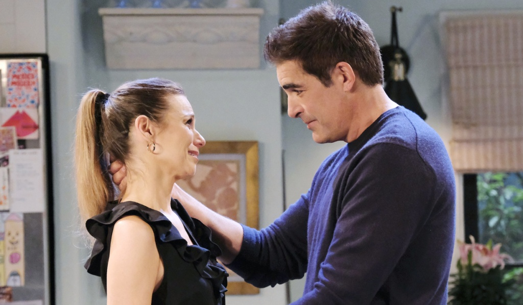 Ava and Rafe make up on Days of Our Lives