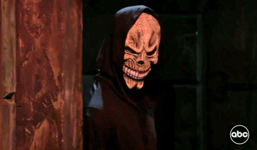 Skull mask creeper GH