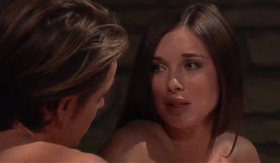 Willow tells Michael that he's her life GH