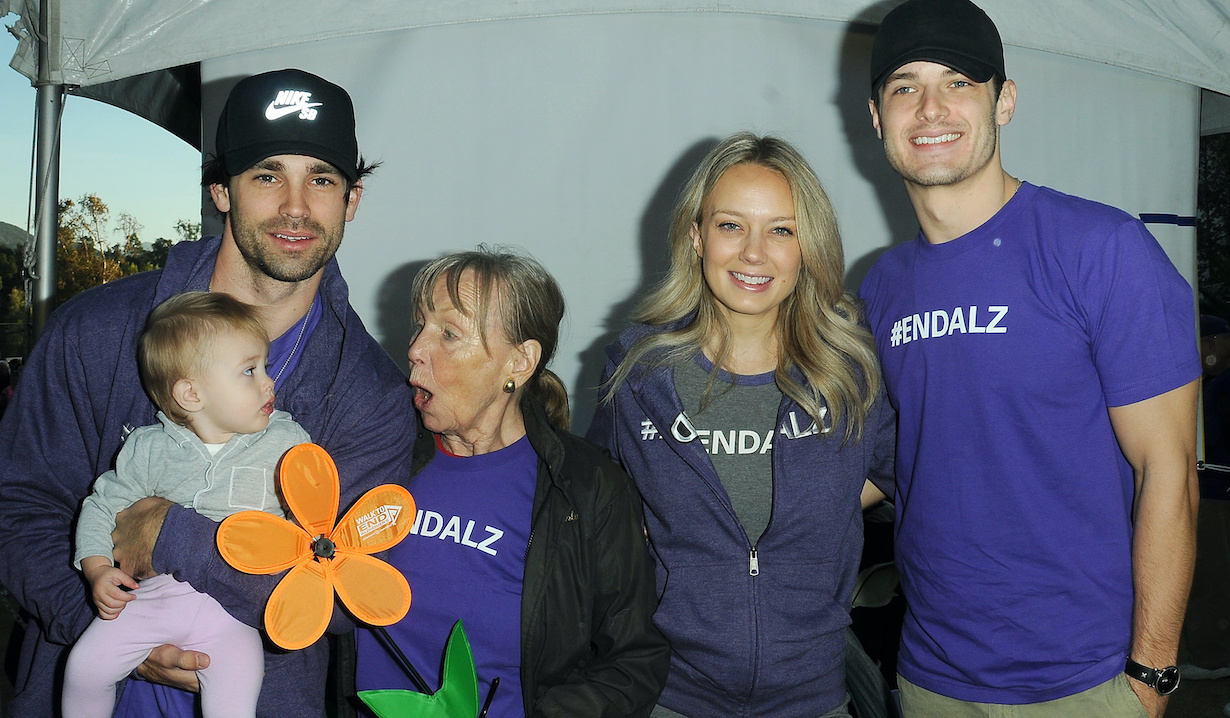 Melissa Ordway, Sophie Gaston, Justin Gaston, Marla Adams, Michael Mealor attends The Young and the Restless Cast at the 2018 Walk to End Alzheimers at the The Los Angeles Zoo in Los Angeles, CA on November 3, 2018© Jill Johnson/jpistudios.com310-657-9661