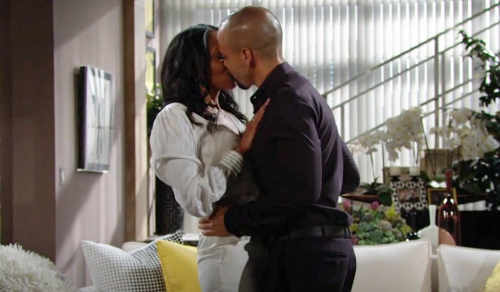 Amanda, Devon kiss Y&R