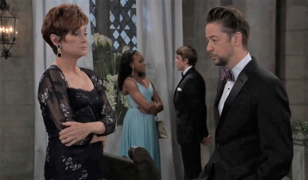 Diane and Spinelli talk at the wedding General Hospital