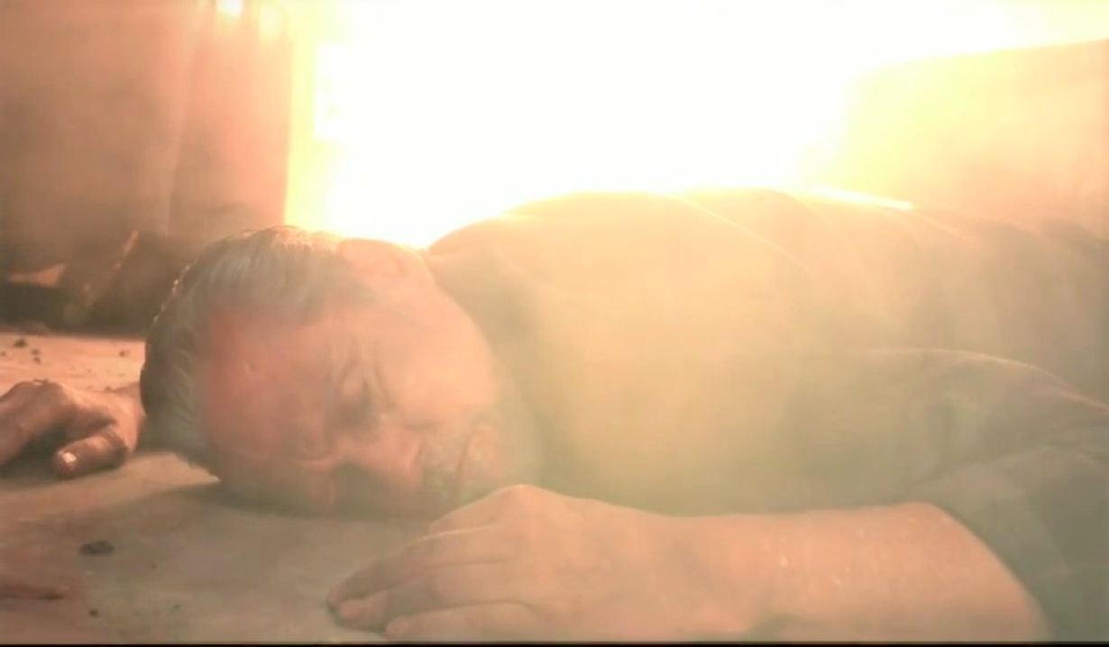 Sonny is unconscious in fire at Tan-O General Hospital