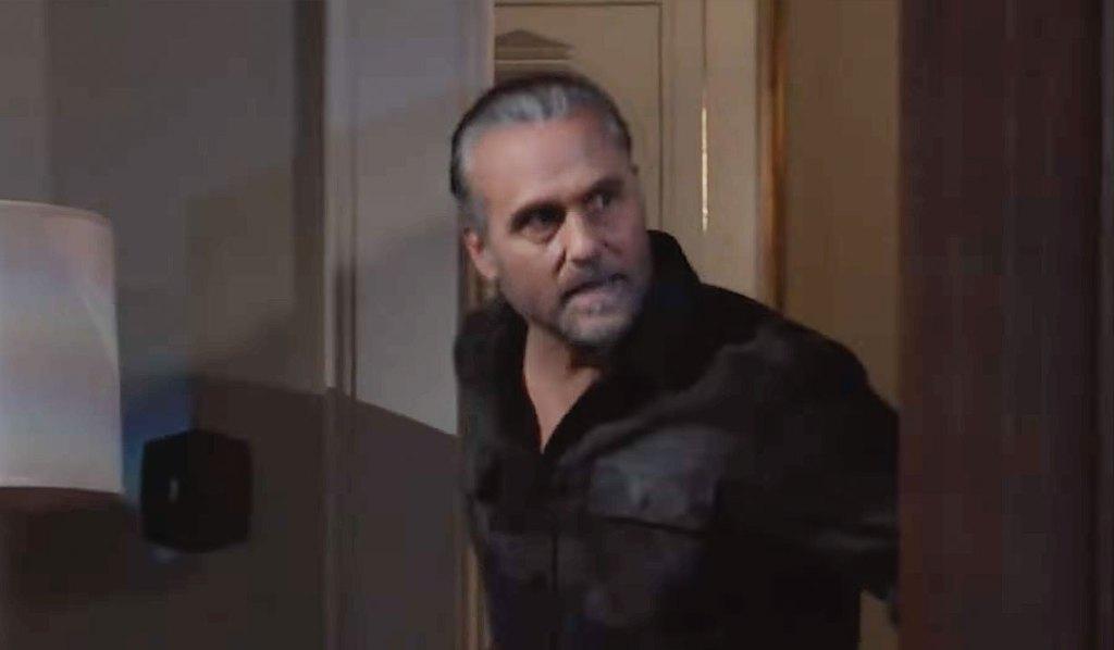Sonny bursts in Jason Carly GH