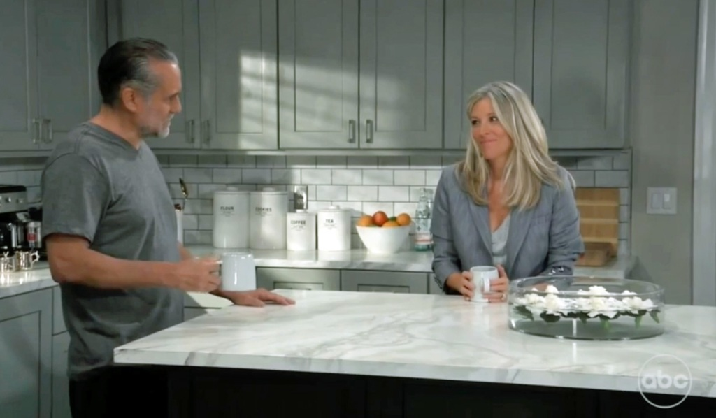 Sonny and Carly reunion in kitchen GH
