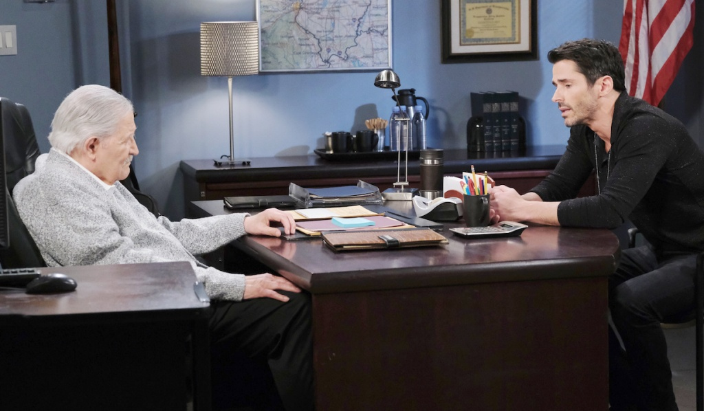 Victor talks with Shawn at the Salem PD on Days of our Lives