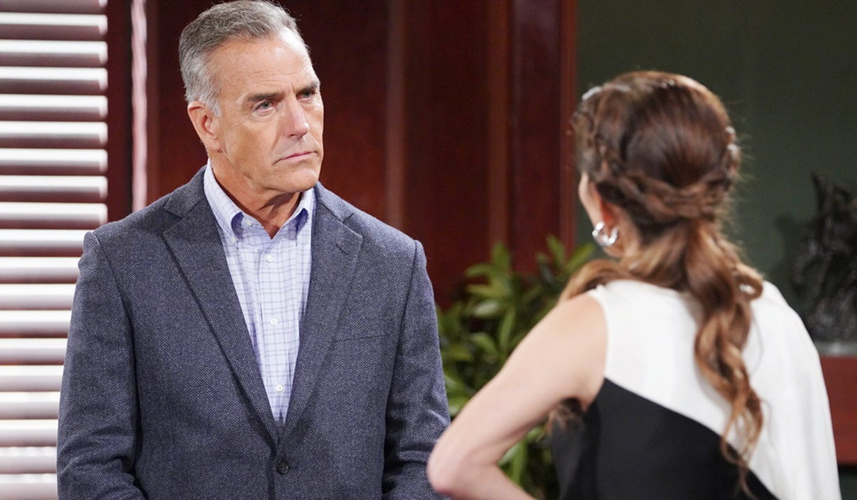 """Amelia Heinle, Richard Burgi """"The Young and the Restless"""" Set CBS television City Los Angeles 08/19/21 © Howard Wise/jpistudios.com 310-657-9661 Episode # 12204 U.S. Airdate 09/27/21"""