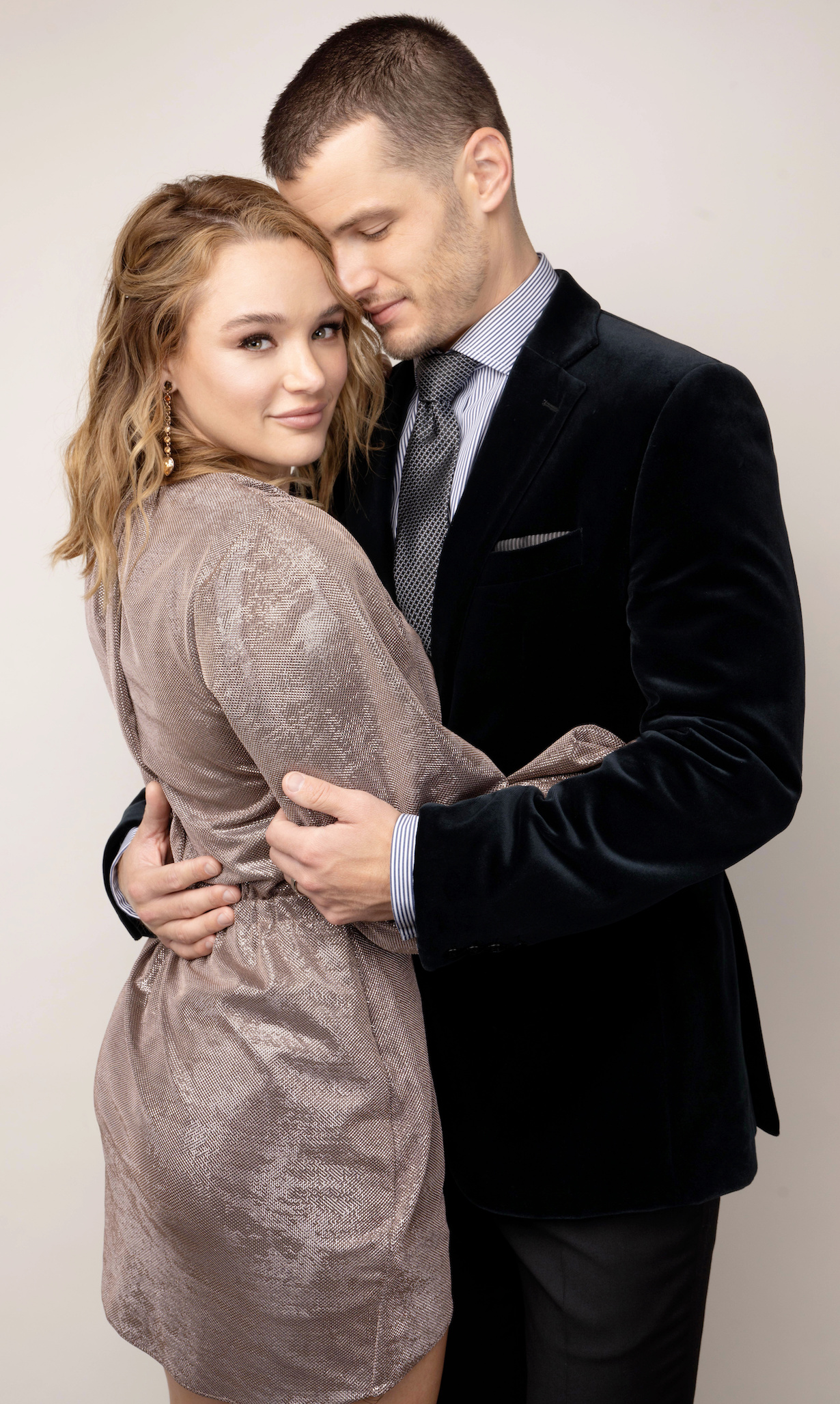 """Hunter King, Michael Mealor """"The Young and the Restless"""" Set CBS television City Los Angeles 09/10/21 © Howard Wise/jpistudios.com 310-657-9661"""