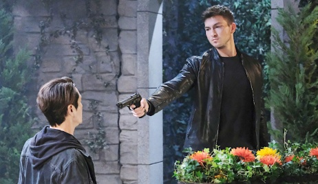 Ben holds Vincent at gunpoint on Days of Our Lives