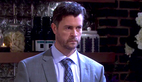 EJ seethes at Julie's Place on Days of Our Lives