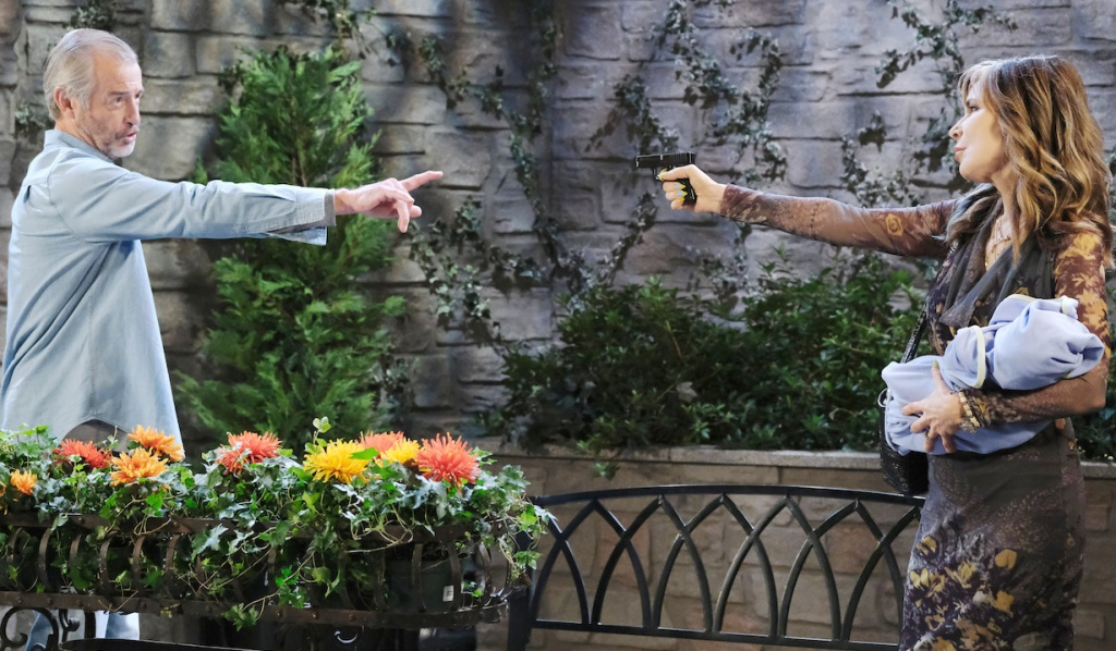 Kate holds Henry pulls gun on Clyde on Days of Our Lives