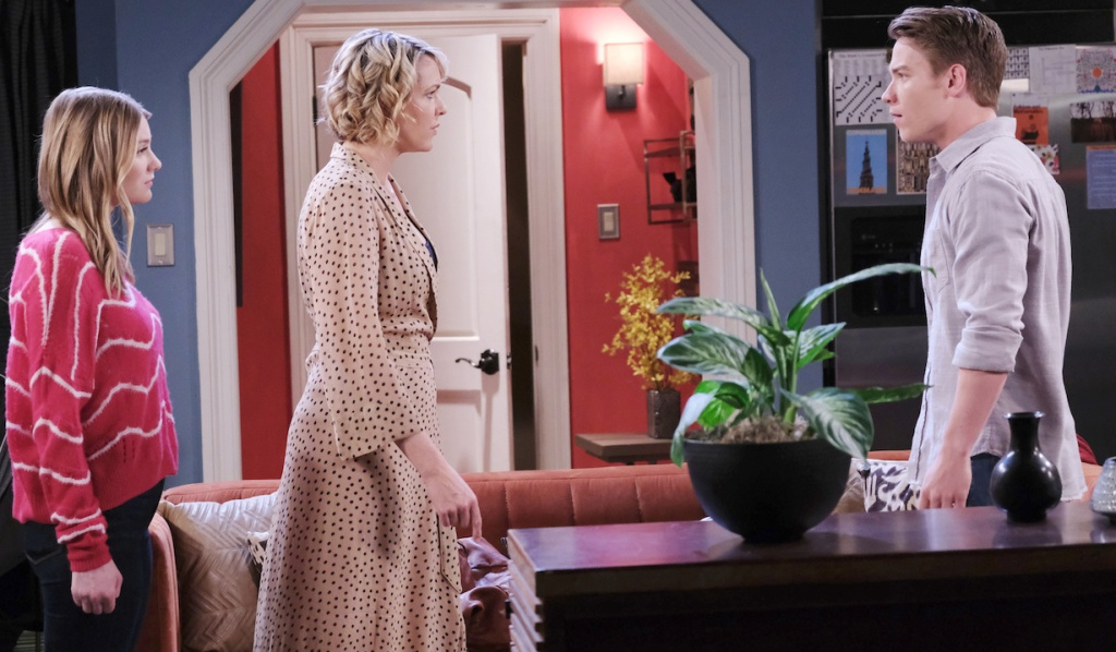 Nicole protects Allie from Tripp on Days of our Lives