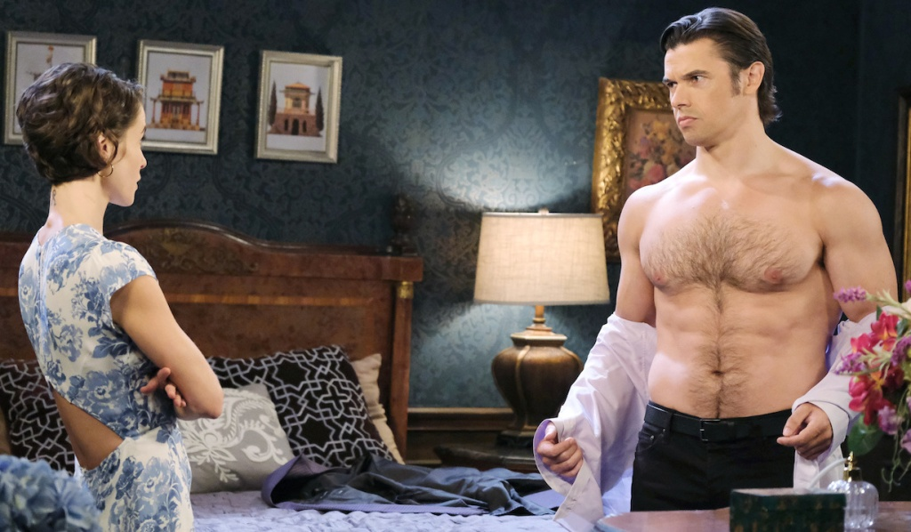 Xander tries to distract Sarah on Days of Our Lives