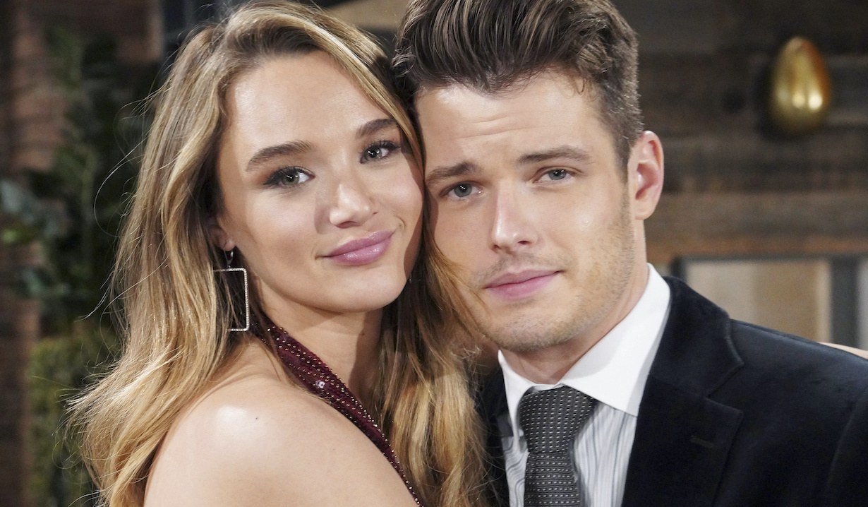 """Michael Mealor, Hunter King """"The Young and the Restless"""" Set CBS television City Los Angeles 04/9/21 © Howard Wise/jpistudios.com 310-657-9661"""