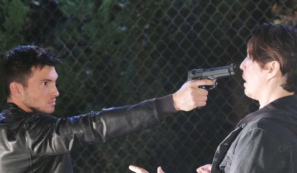 Ben threatens to shoot Vincent on Days of Our Lives