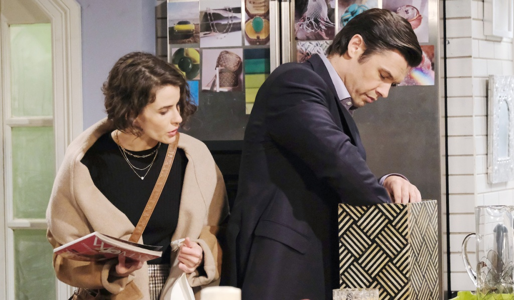 Xander and Sarah snoop on Days of Our Lives