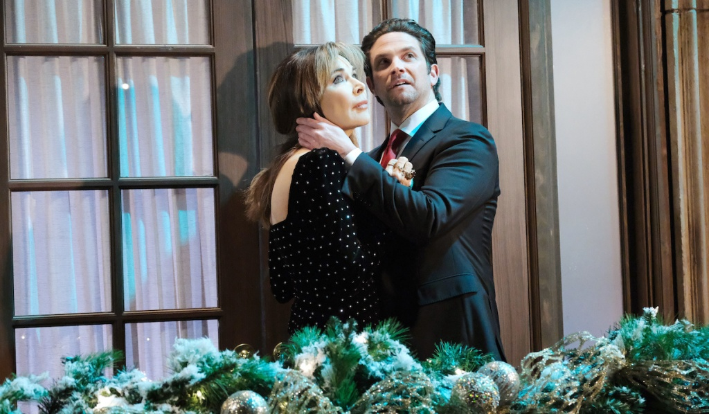 Jake and Kate ring in New Year under fireworks on Days of Our Lives