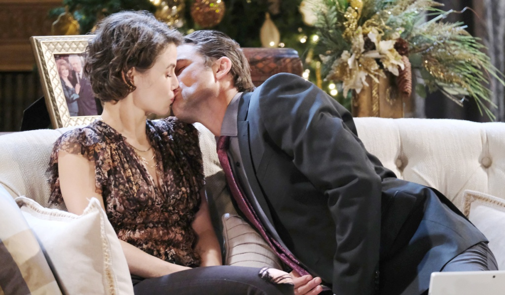 Philip kisses Sarah on Days of Our Lives