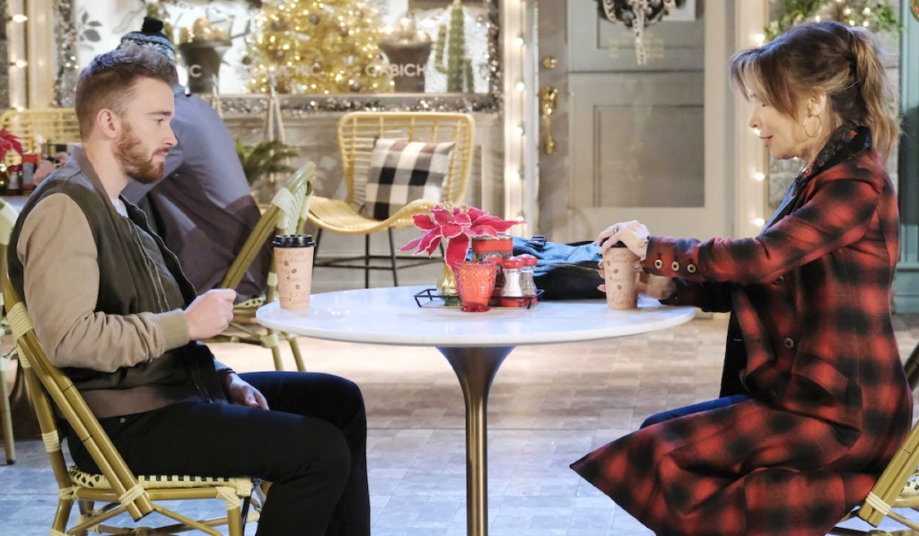 Will and Kate have coffe in Horton Square on Days of Our Lives