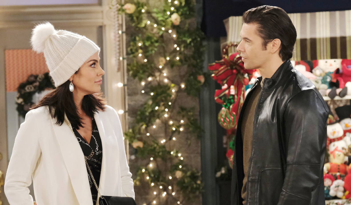 Chloe runs into Xander in the Square on Days of Our Lives
