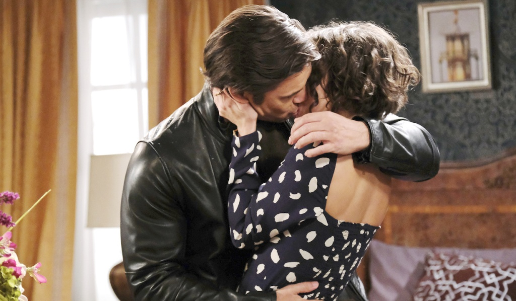 Xander passionately kisses Sarah on Days of Our Lives