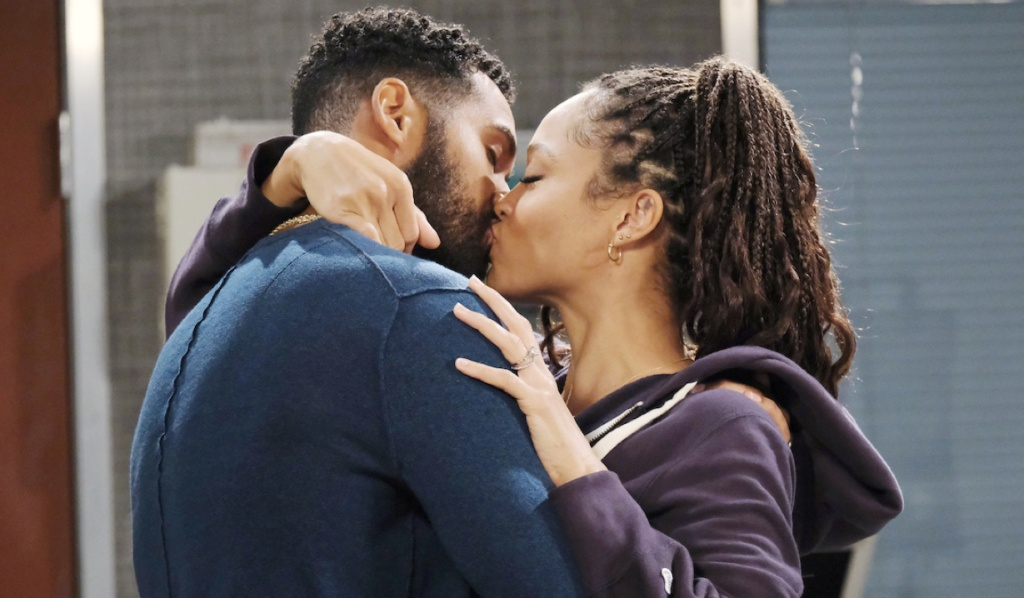 Eli and Lani kiss at the hospital on Days of Our Lives