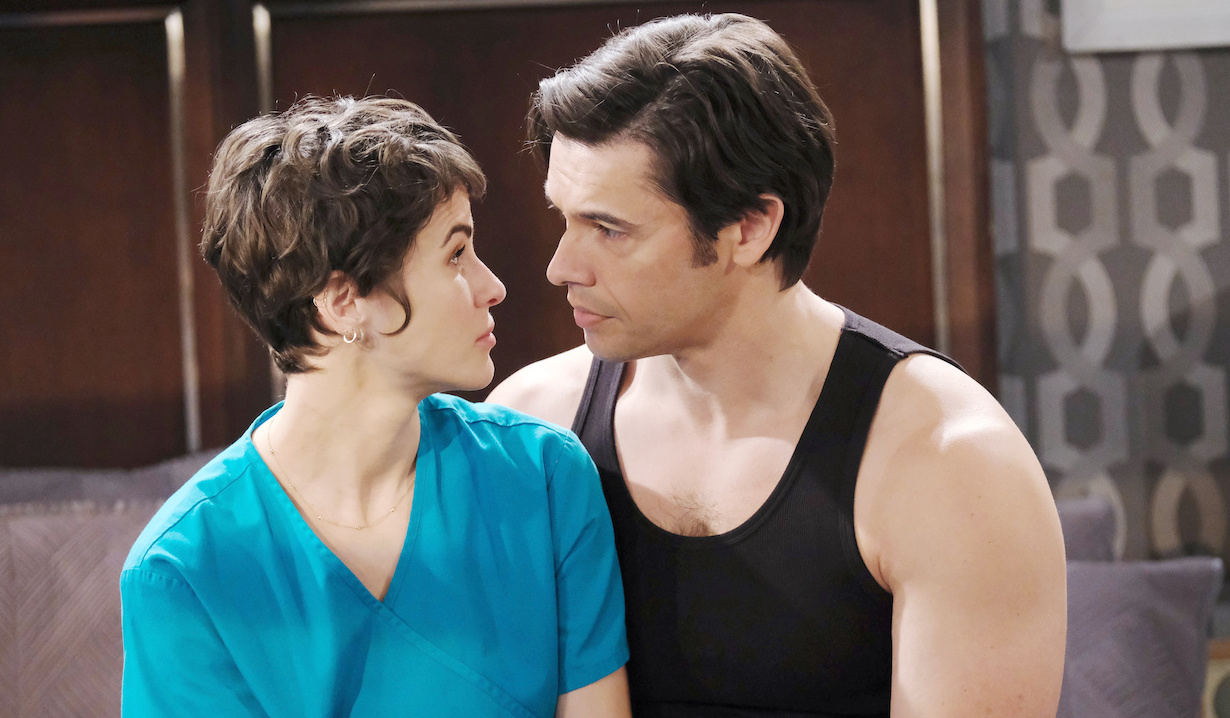 Sarah tells Xander about her night on Days of Our Lives