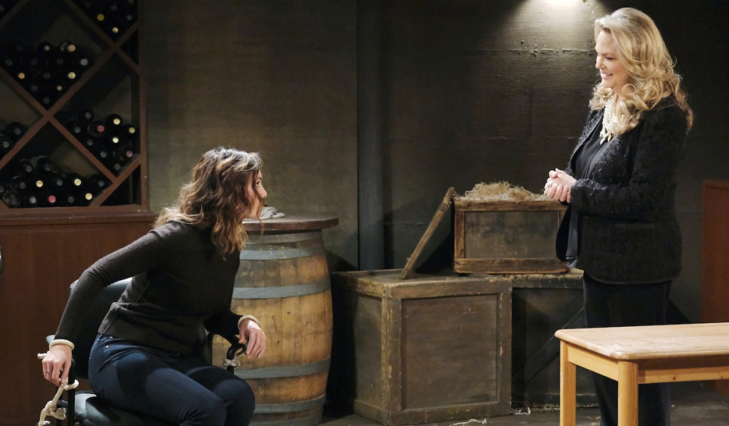 Anna taunts Gwen on Days of Our Lives