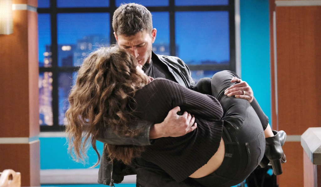 Ben carries Ciara into the hospital on Days of Our Lives