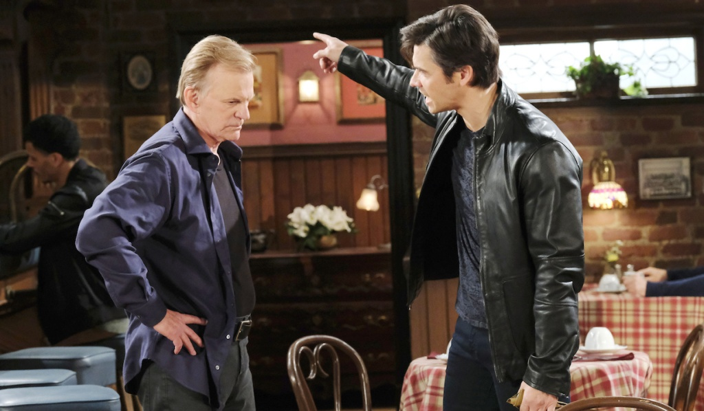Xander yells at Roman at Brady's Pub on Days of Our Lives