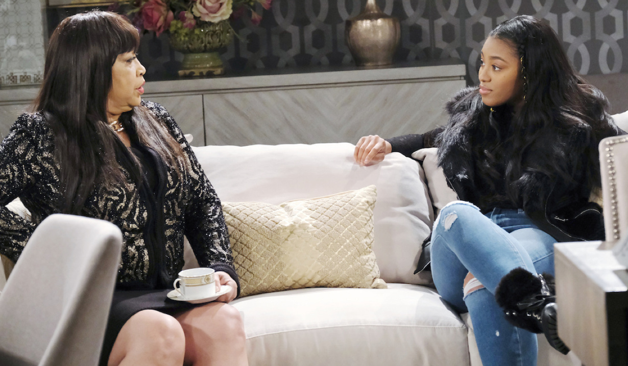 Paulina lectures Chanel on Days of Our Lives