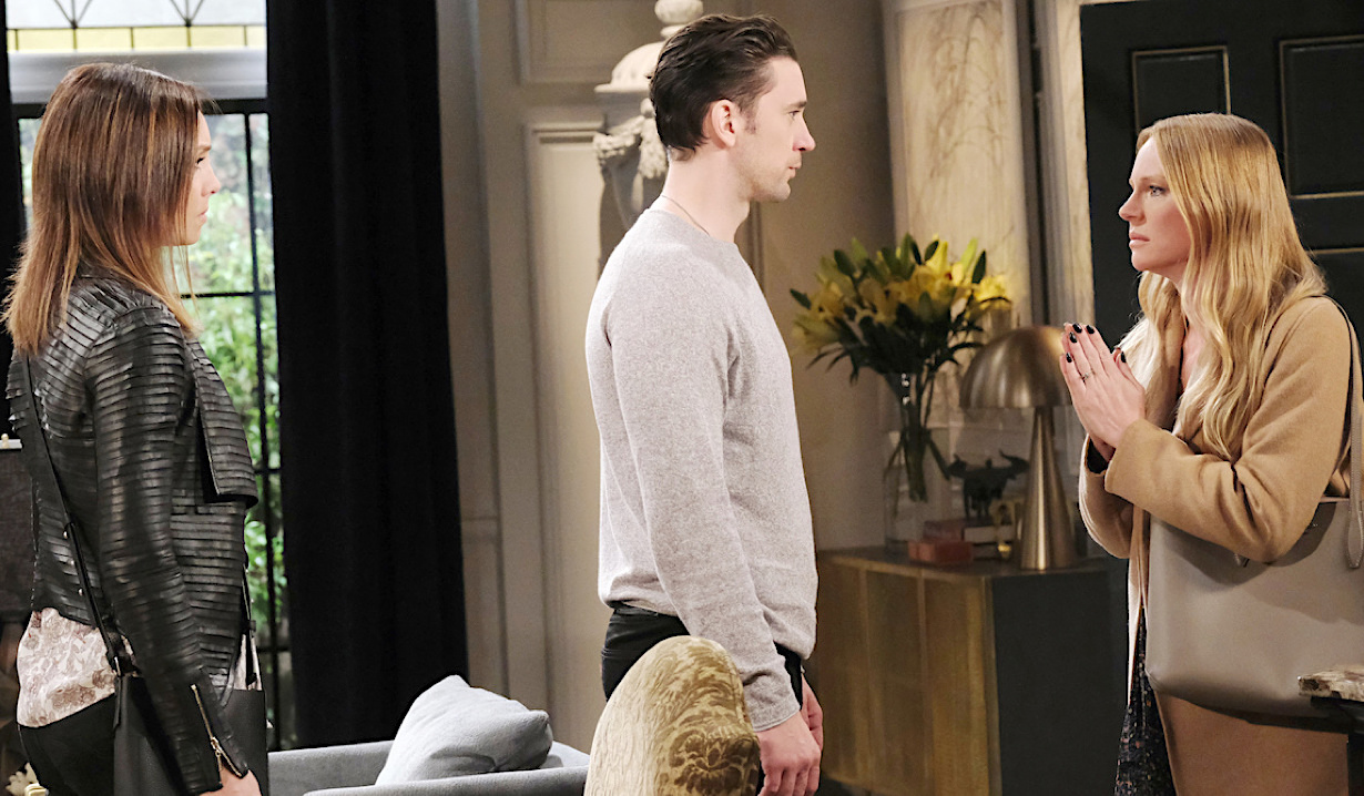 Chad in the middle of Gwen and Abigail on Days of Our Lives