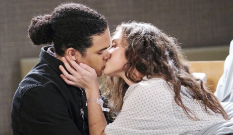 Ciara kisses Theo on Days of Our Lives