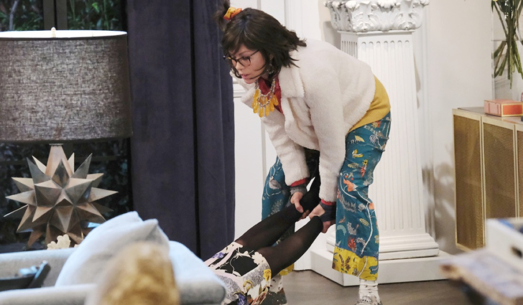 Kristen as Susan drags Kate's body on Days of Our Lives
