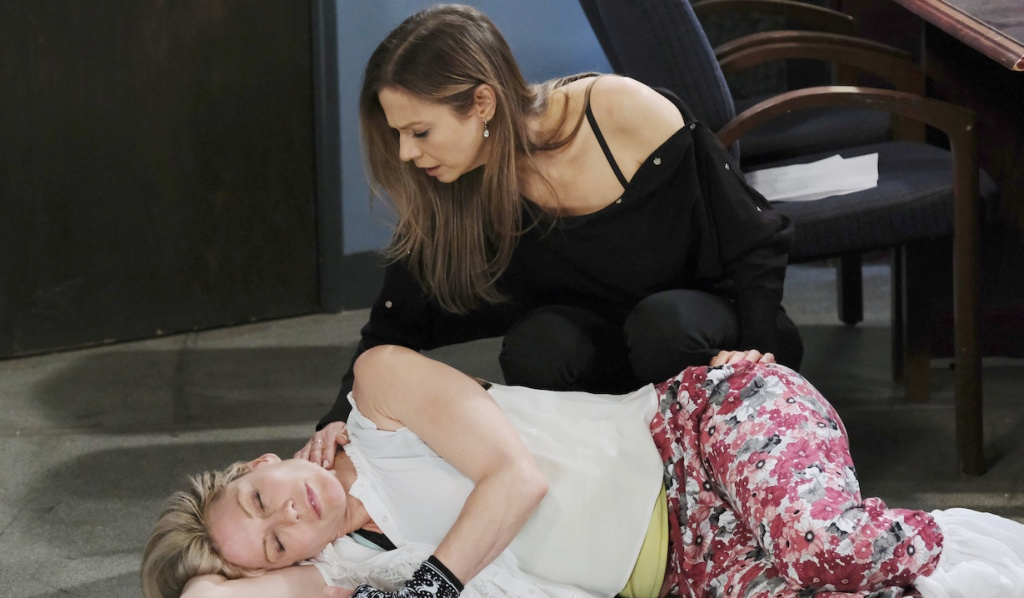 Ava finds Susan passed out on Days of Our Lives