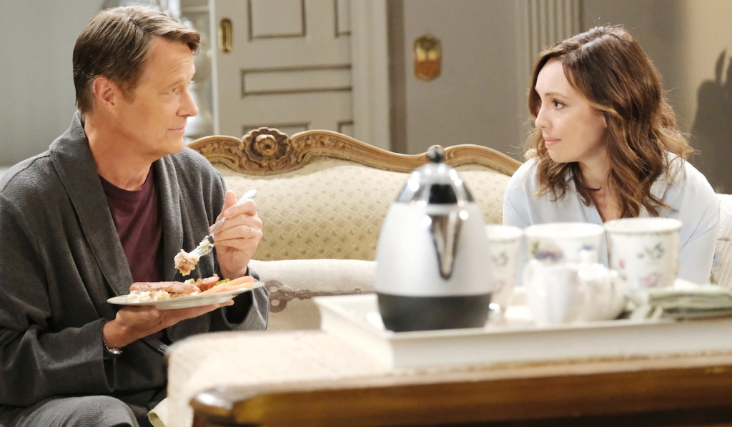 Jack and Gwen have breakfast at Horton House on Days of Our Lives