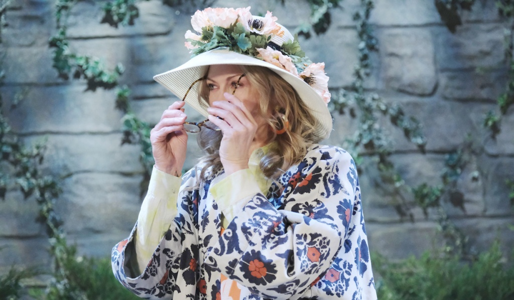 Kristen puts on a Susan disguise on Days of Our Lives