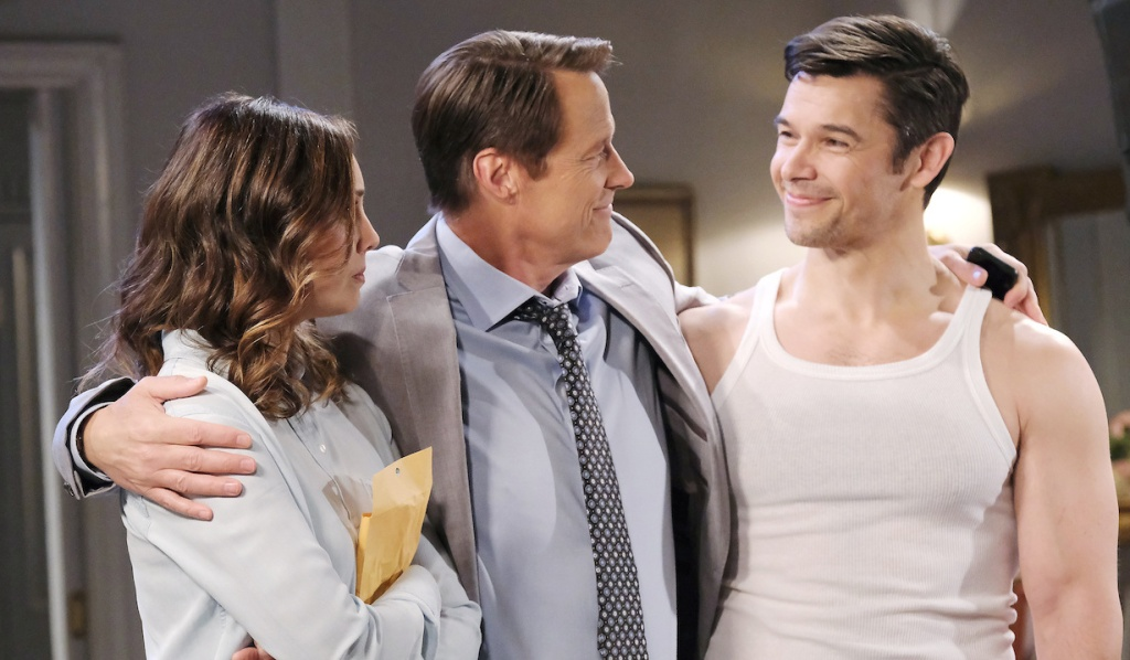 Jack puts an arm around both Gwen and Xander on Days of Our Lives