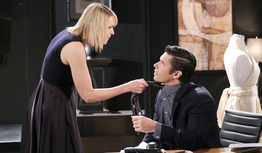 Nicole grabs Xander's tie at Basic Black on Days of Our Lives