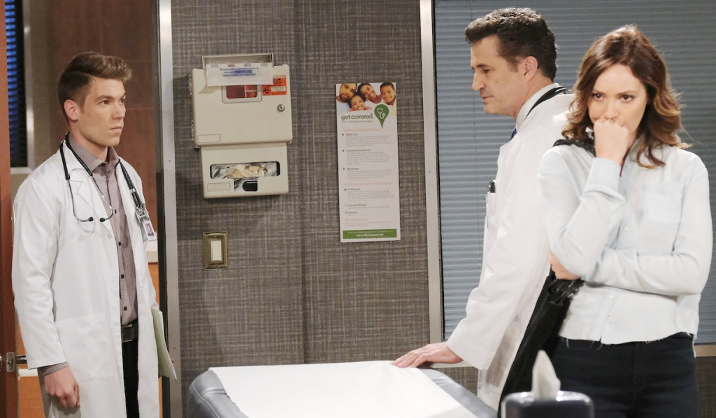 Tripp walks in on Dr. Snyder and Gwen at the hospital on Days of Our Lives
