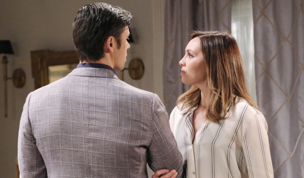 Gwen grabs Xander's arm on Days of Our Lives