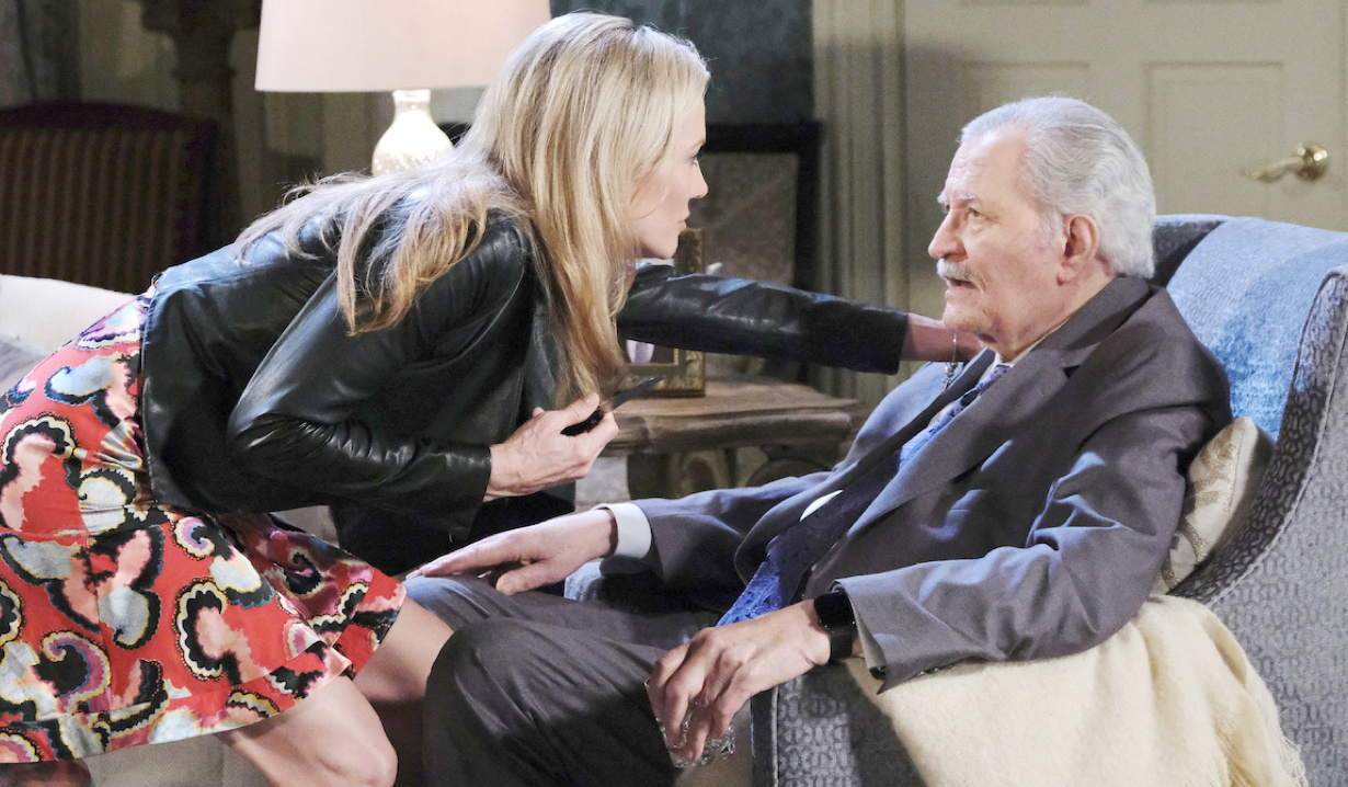 Kristen Stabs Victor on Days of Our Lives