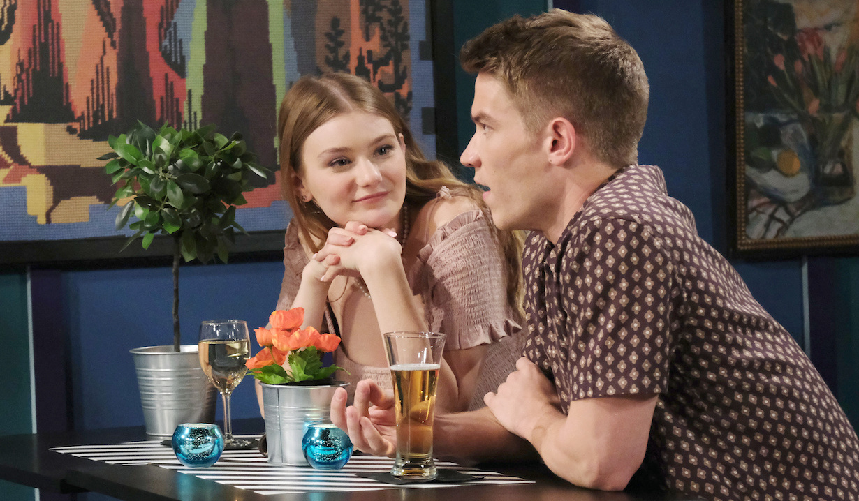Tripp and Allie have drinks at a restaurant on Days of Our Lives