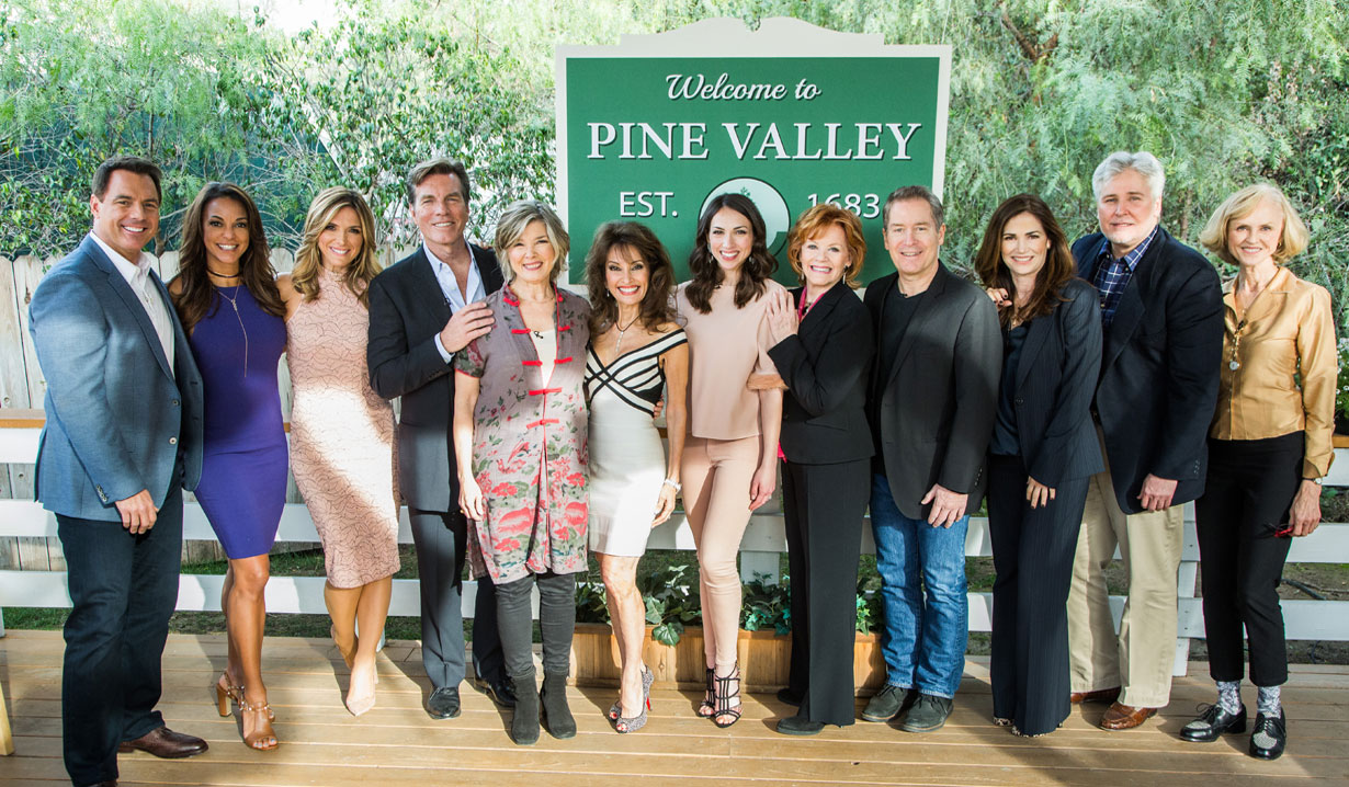 Susan Lucci Co Hosts Hallmark S Home Family For All My Children Reunion News Soaps Com