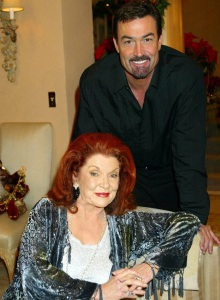 """""""The Bold and the Beautiful"""" Set Christmas"""