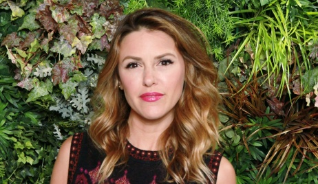 elizabeth hendrickson back taping at Y&R